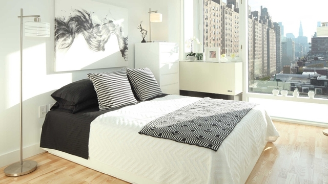 2 Bedrooms, Chelsea Rental in NYC for $8,000 - Photo 2