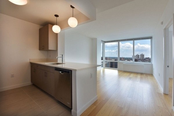 1 Bedroom, Rego Park Rental in NYC for $2,895 - Photo 1