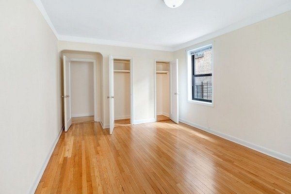 1 Bedroom, Rego Park Rental in NYC for $2,075 - Photo 2