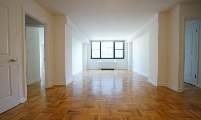 2 Bedrooms, Hell's Kitchen Rental in NYC for $5,391 - Photo 1