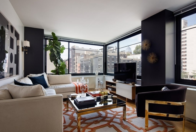 2 Bedrooms, Hell's Kitchen Rental in NYC for $6,265 - Photo 1