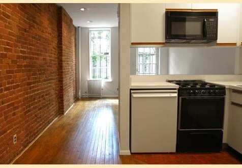 1 Bedroom, Yorkville Rental in NYC for $2,192 - Photo 2