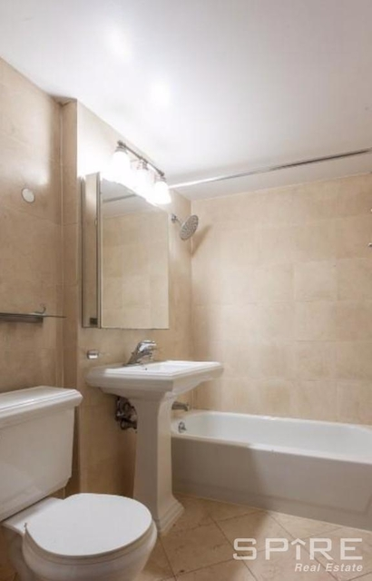 2 Bedrooms, West Village Rental in NYC for $4,496 - Photo 2