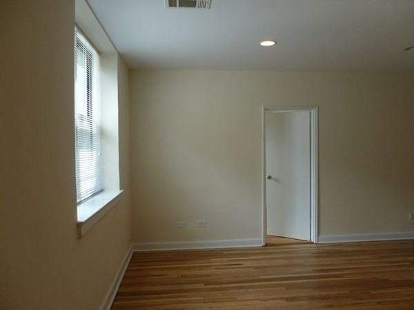 2 Bedrooms, Rego Park Rental in NYC for $2,484 - Photo 2
