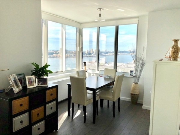 2 Bedrooms, Hell's Kitchen Rental in NYC for $6,090 - Photo 2