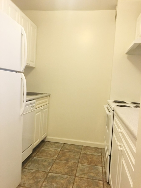 3 Bedrooms, Murray Hill Rental in NYC for $4,450 - Photo 2