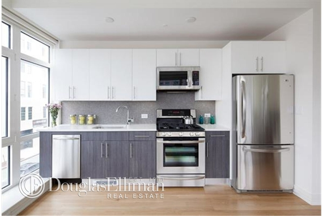 2 Bedrooms, Williamsburg Rental in NYC for $4,621 - Photo 1