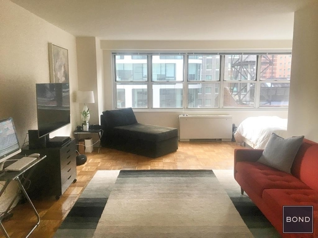 Studio, Theater District Rental in NYC for $2,745 - Photo 2