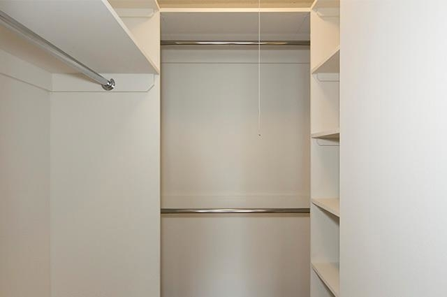 3 Bedrooms, Yorkville Rental in NYC for $6,395 - Photo 2