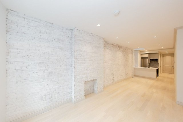 1 Bedroom, Yorkville Rental in NYC for $3,758 - Photo 2