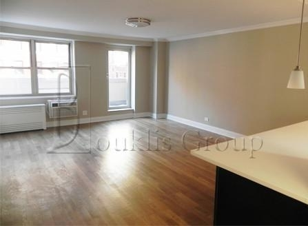 2 Bedrooms, Tribeca Rental in NYC for $5,275 - Photo 2