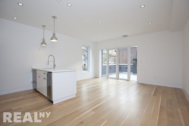 3 Bedrooms, Upper East Side Rental in NYC for $7,807 - Photo 1