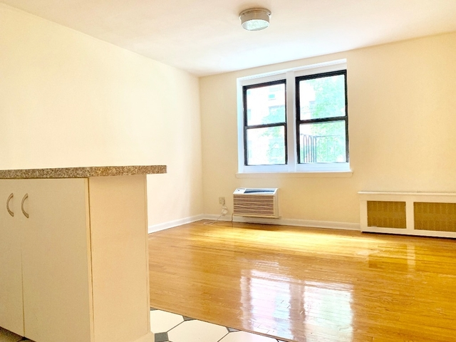 1 Bedroom, Sutton Place Rental in NYC for $2,840 - Photo 1