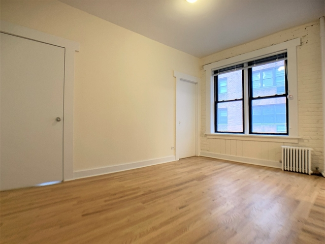 2 Bedrooms, Sutton Place Rental in NYC for $2,995 - Photo 2