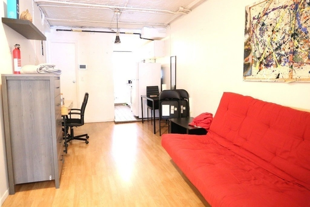 3 Bedrooms, Chelsea Rental in NYC for $4,400 - Photo 1