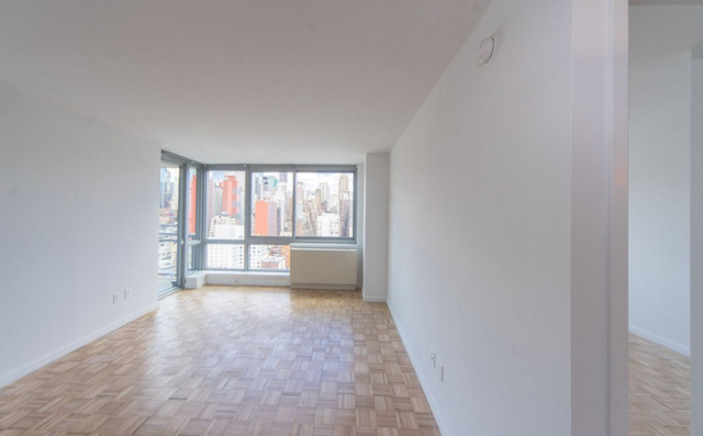 2 Bedrooms, Hell's Kitchen Rental in NYC for $5,546 - Photo 1
