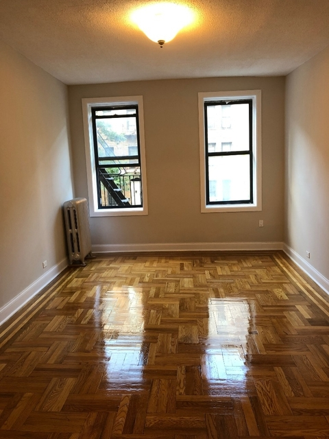 2 Bedrooms, Inwood Rental in NYC for $2,700 - Photo 1