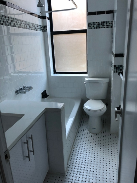 2 Bedrooms, Inwood Rental in NYC for $2,700 - Photo 2