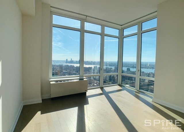 3 Bedrooms, Chelsea Rental in NYC for $10,169 - Photo 1