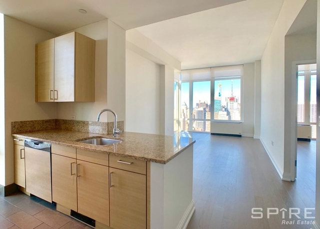 3 Bedrooms, Chelsea Rental in NYC for $10,169 - Photo 2