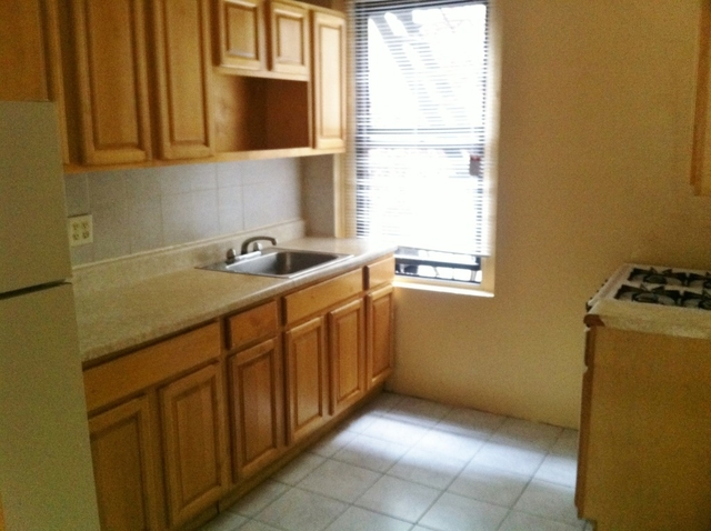 3 Bedrooms, Steinway Rental in NYC for $2,550 - Photo 2