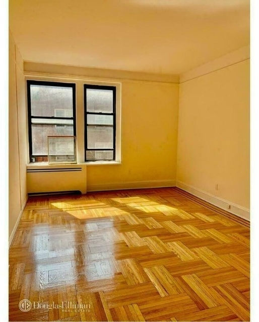3 Bedrooms, Yorkville Rental in NYC for $4,150 - Photo 2