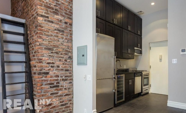 3 Bedrooms, West Village Rental in NYC for $6,229 - Photo 1