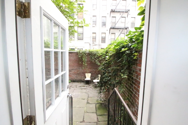 2 Bedrooms, Alphabet City Rental in NYC for $4,028 - Photo 2