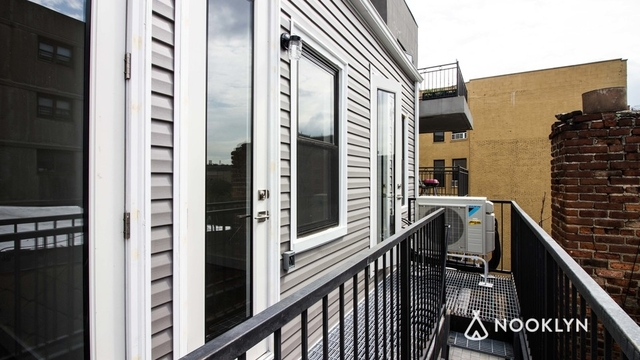3 Bedrooms, East Williamsburg Rental in NYC for $4,395 - Photo 2