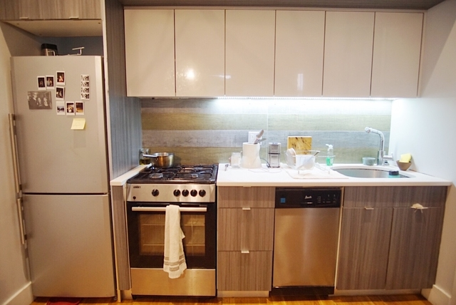 Room, East Williamsburg Rental in NYC for $1,050 - Photo 2