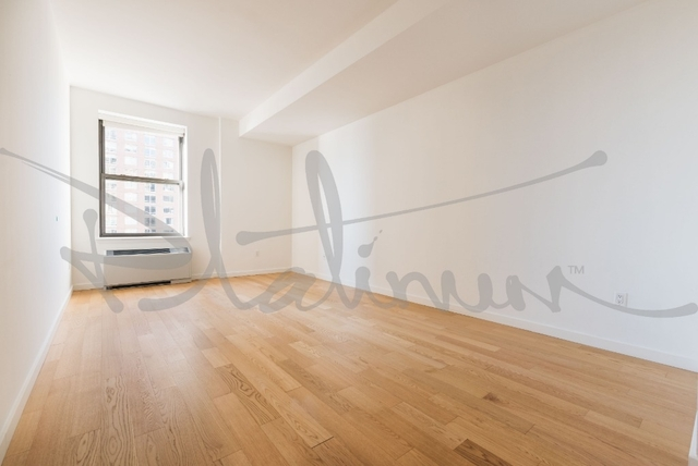 Studio, Financial District Rental in NYC for $4,154 - Photo 2