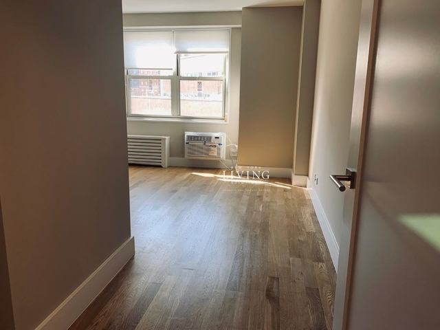 2 Bedrooms, Tribeca Rental in NYC for $5,655 - Photo 2