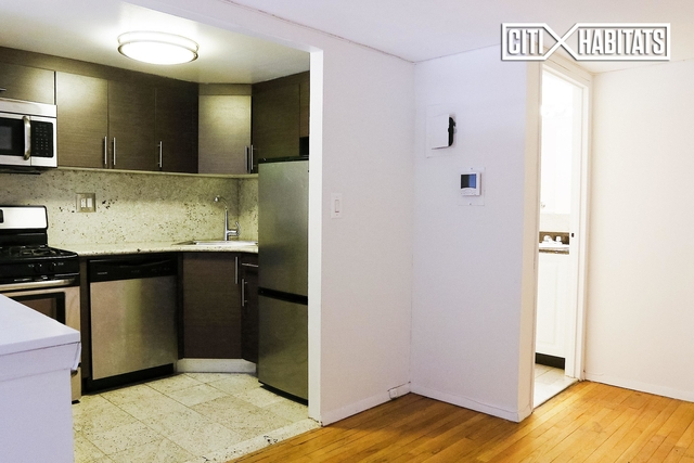 2 Bedrooms, West Village Rental in NYC for $4,525 - Photo 2