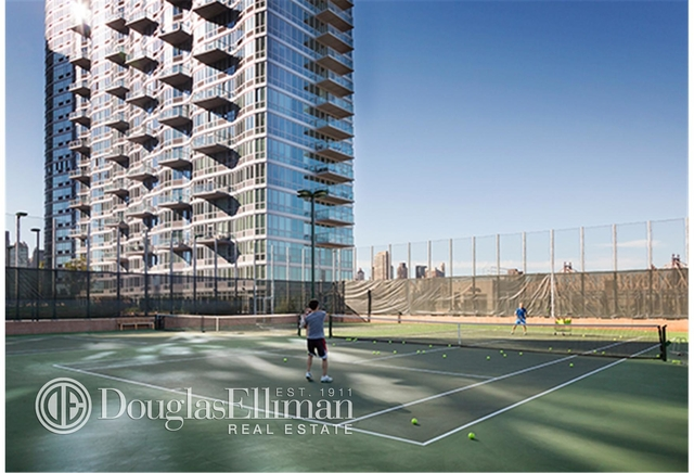 2 Bedrooms, Hunters Point Rental in NYC for $5,097 - Photo 1