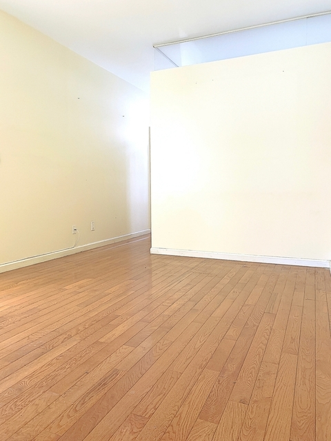 3 Bedrooms, Chinatown Rental in NYC for $3,595 - Photo 1