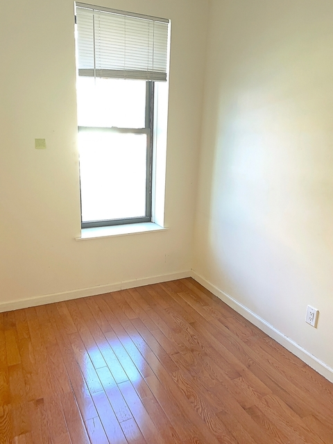 3 Bedrooms, Chinatown Rental in NYC for $3,595 - Photo 2
