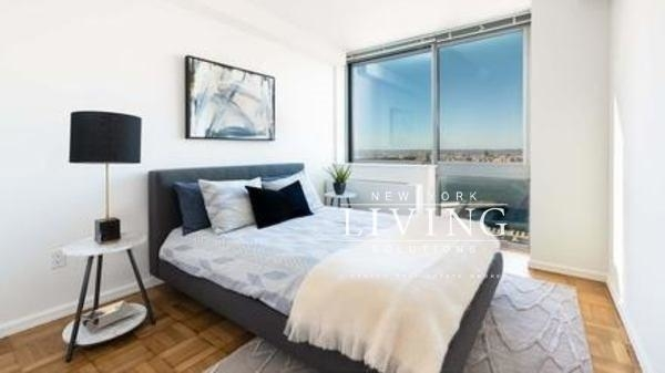 2 Bedrooms, Hell's Kitchen Rental in NYC for $6,380 - Photo 2