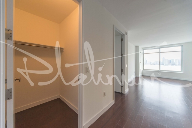 2 Bedrooms, Tribeca Rental in NYC for $5,200 - Photo 2