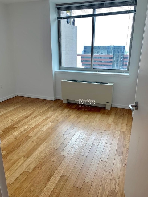 3 Bedrooms, Financial District Rental in NYC for $7,730 - Photo 1