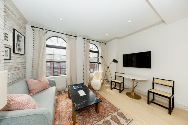 1 Bedroom, Alphabet City Rental in NYC for $4,125 - Photo 2