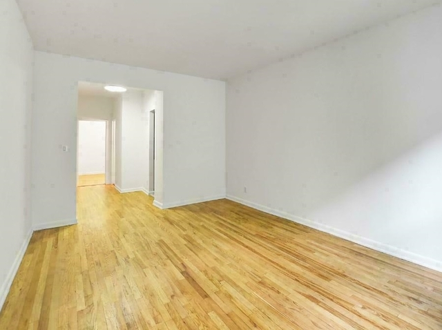 1 Bedroom, Yorkville Rental in NYC for $2,605 - Photo 2