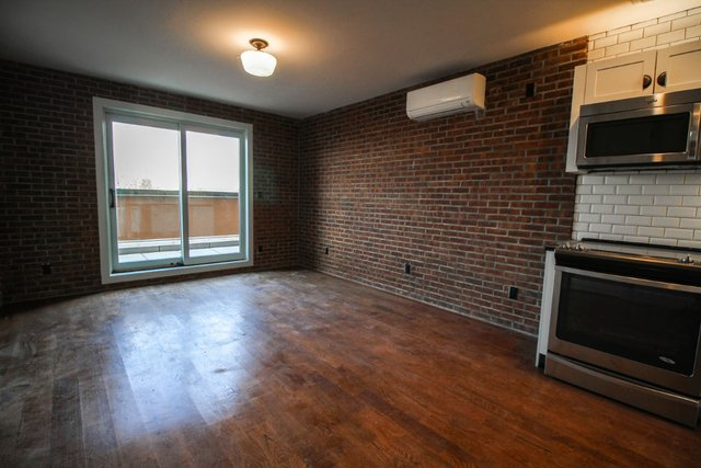 3 Bedrooms, Bedford-Stuyvesant Rental in NYC for $3,399 - Photo 2