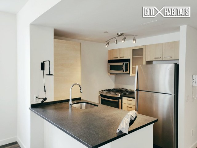 2 Bedrooms, Tribeca Rental in NYC for $6,092 - Photo 2