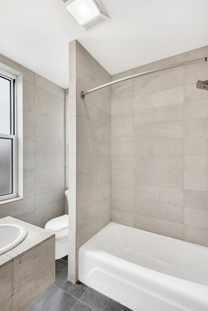 2 Bedrooms, Chinatown Rental in NYC for $3,044 - Photo 2