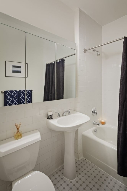 Studio, Financial District Rental in NYC for $5,525 - Photo 2