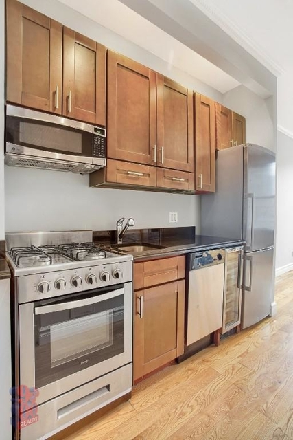 1 Bedroom, West Village Rental in NYC for $3,996 - Photo 2