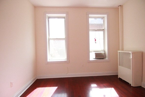 2 Bedrooms, Hell's Kitchen Rental in NYC for $3,085 - Photo 1