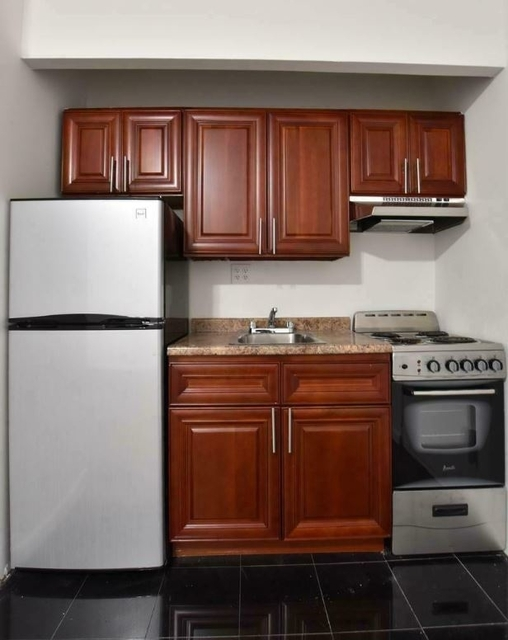 Studio, Hell's Kitchen Rental in NYC for $2,228 - Photo 2