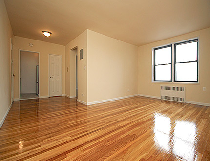1 Bedroom, Briarwood Rental in NYC for $1,970 - Photo 2