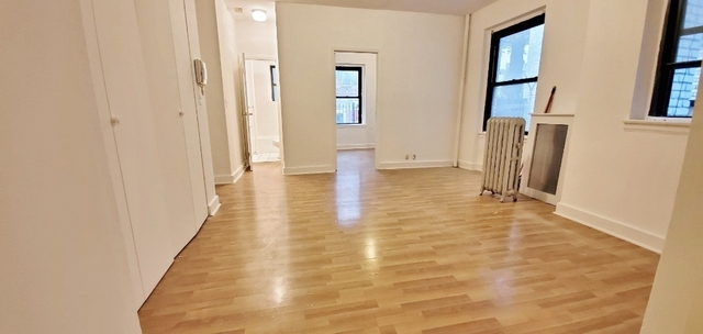 1 Bedroom, Steinway Rental in NYC for $1,775 - Photo 1